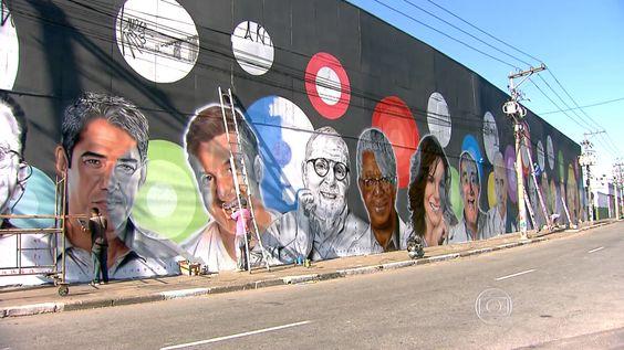 Provocação?:TV Globo é homenageada com grafite em muro próximo à sede da TV Record.
