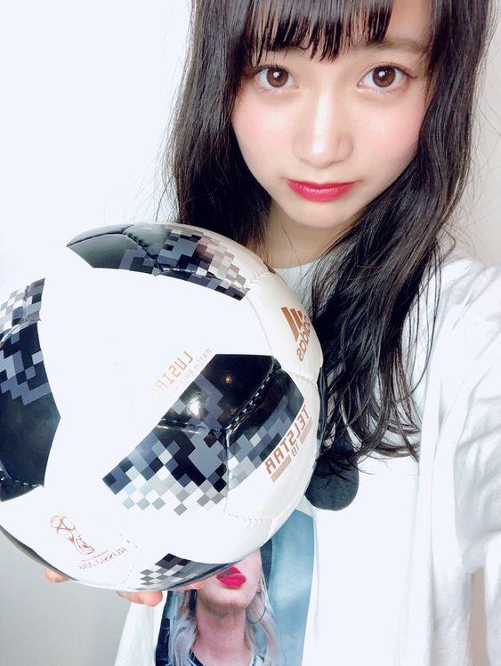 サッカーボールと福田愛依