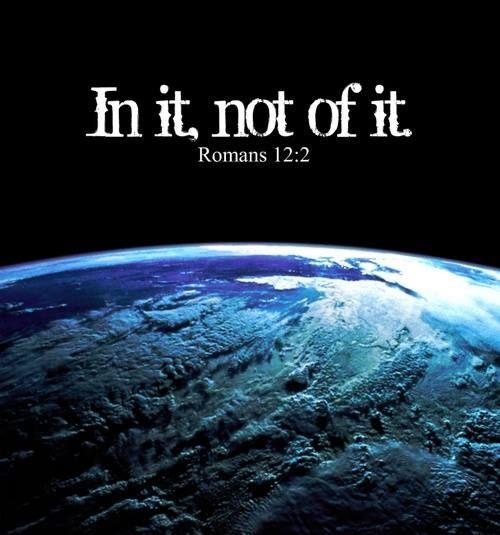 Não se amoldem ao padrão deste mundo, mas transformem-se pela renovação da sua mente, para que sejam capazes de experimentar e comprovar a boa, agradável e perfeita vontade de Deus.  Romanos 12:2