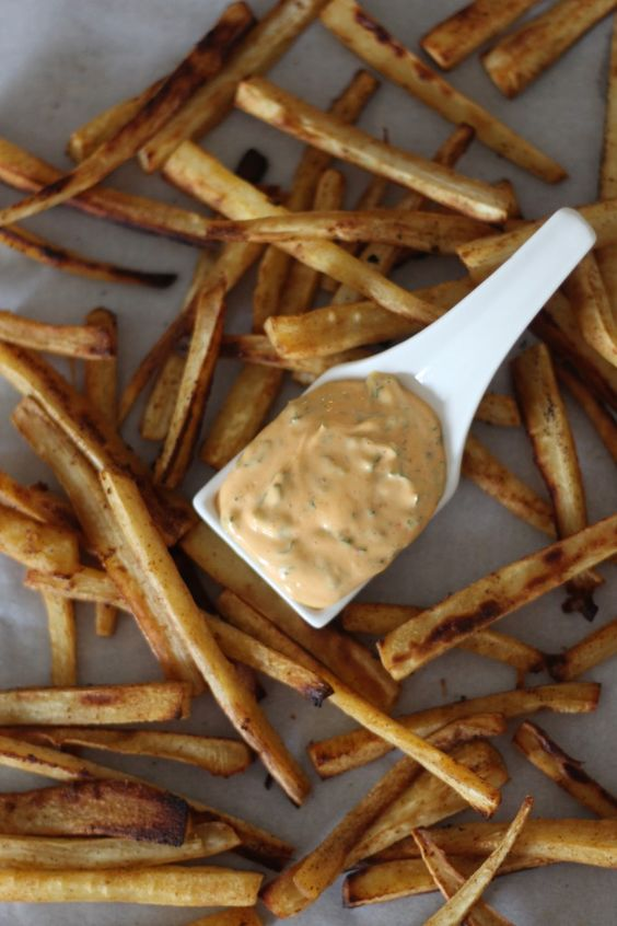 Paprika Parsnip Fries with Sriracha Dipping Sauce | Recipe ...