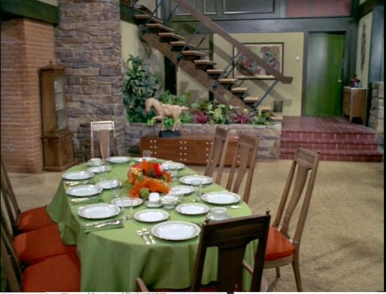 "When Cheryl said ""sunken living room"" I instantly pictured The Brady Bunch house.:"