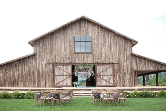 Beautiful Barn Wedding Venues in the USA
