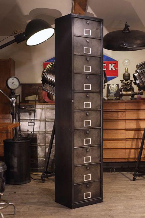 Meuble A Clapets 1950 En Metal Brut Decape Plus D Info Sur Https Ift Tt 1j72nm2 Deco Design Antiquites Locker Storage Industrial Interiors Filing Cabinet