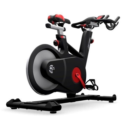 The Fitness Outlet Life Fitness Ic6 Indoor Group Cycle 2 299 00 Https Www Thefitnessoutlet Com Free Protective Mat Biking Workout Fit Life Indoor Bike