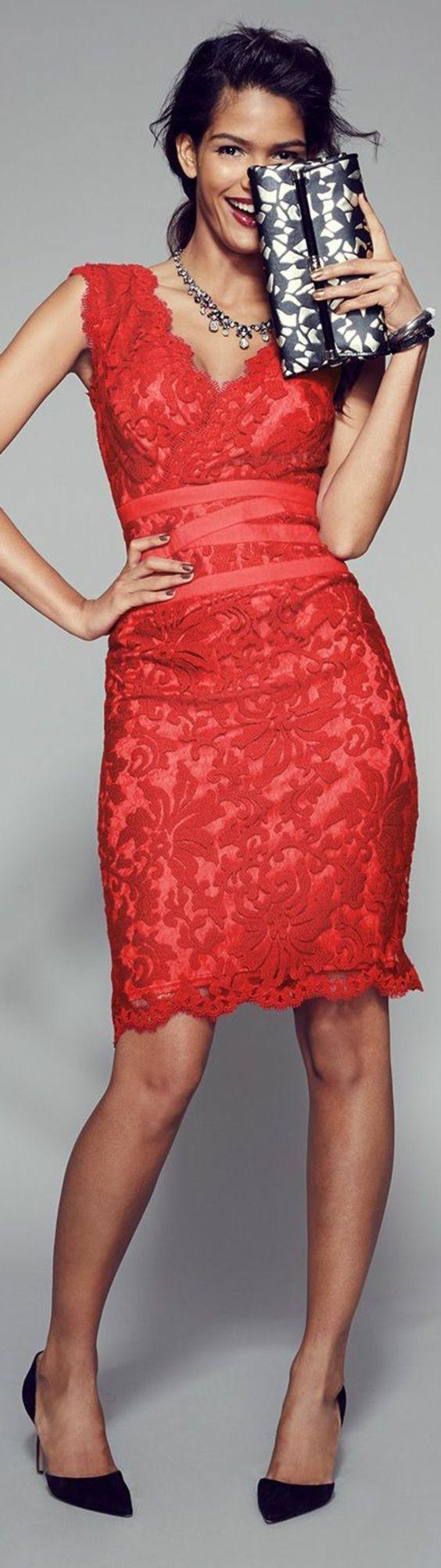 robe avec dentelle rouge:
