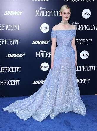 Elle Fanning con un vestido azul lavanda de Elie Saab Couture - MujerHoy