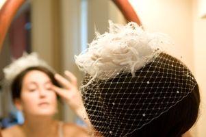 we <3 birdcage veils..
