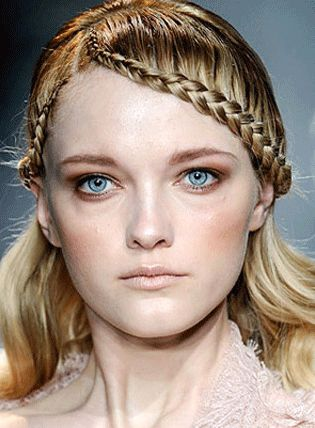 Medieval Hairstyle | Makeup During Renaissance | Hair U0026 Make-Up During The Renaissance ...