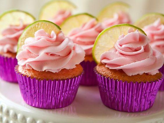 OMGosh!!!  These look YUMMY!!!Strawberry Margarita Cupcakes