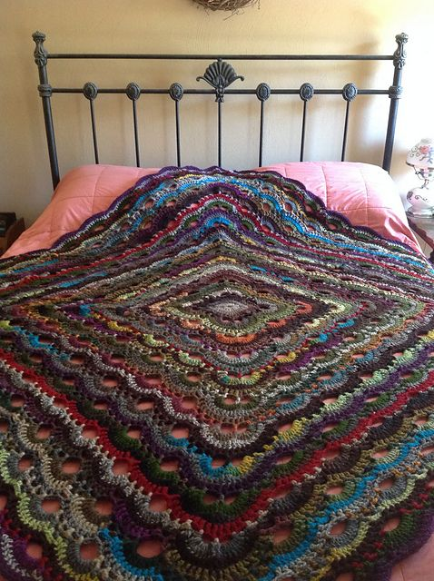 Crochet this beautiful virus blanket as a baby blanket or as a king ...