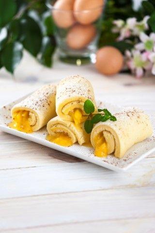 Torta de ovos e pêssegos em calda TeleCulinária 1839. Disponível em formato digital: www.magzter.com Visite-nos em www.teleculinaria.pt
