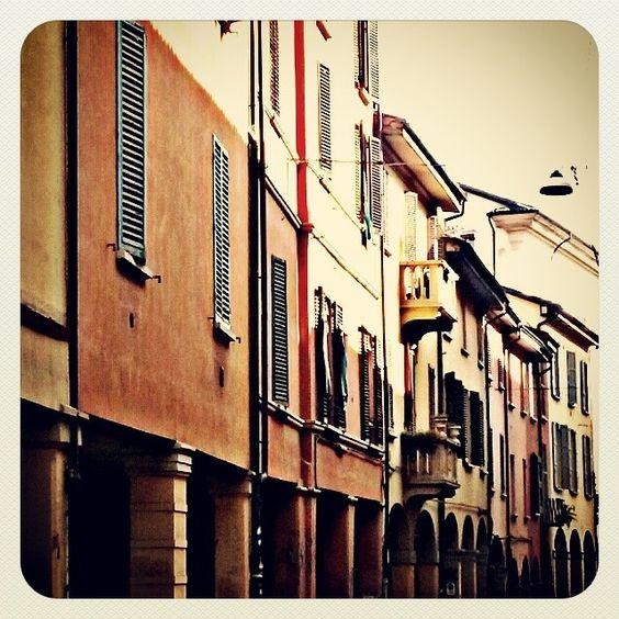 Bologna, Via Belle Arti - Instagram by alecatbcn