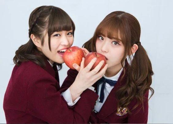 りんごを食べる松村沙友理