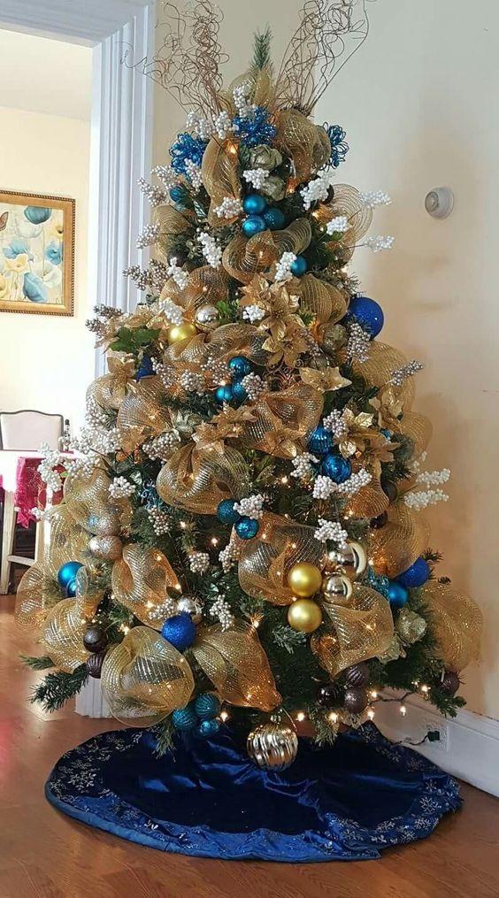 Ideas De Como Decorar El Arbol De Navidad Elegante Con Malla Arboles De Navidad Ideas Arboles De Navidad Elegantes Decoracion Azul De Navidad