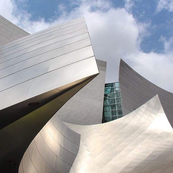 Walt Disney Concert Hall by Frank Gehry, Los Angeles, California.  #frankgehry #gehry #disney #waltdisneyconcerthall #losangeles #architecture #travel #aroundtheworld #architects #archilovers #architexture #deconstructivisme #modern #art #landscape #realestate #roadtrip #usa #wanderlust #backpacker