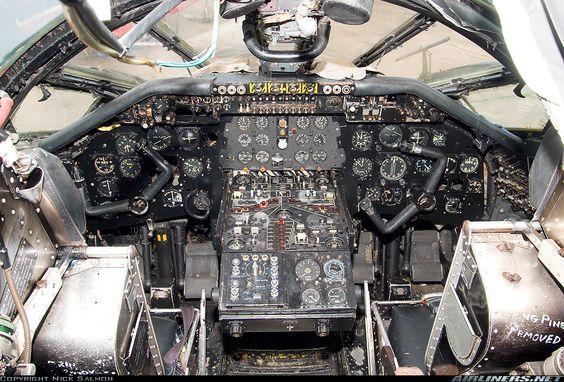 Thunder & Lightnings - Handley Page Victor