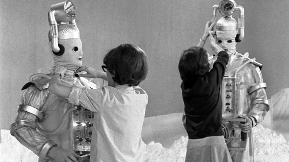 Life, Doctor Who & Combom: Doctor Who: Behind-the-Scenes Gallery of Classic Who Cybermen