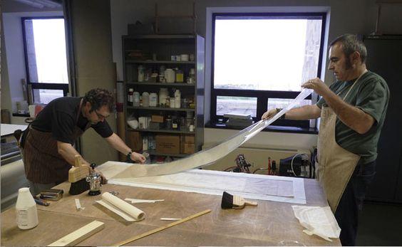 Desde los años 70 los profesionales españoles de la restauración trataron de encontrar nuevas materiales que les permitiesen ejecutar las restauraciones