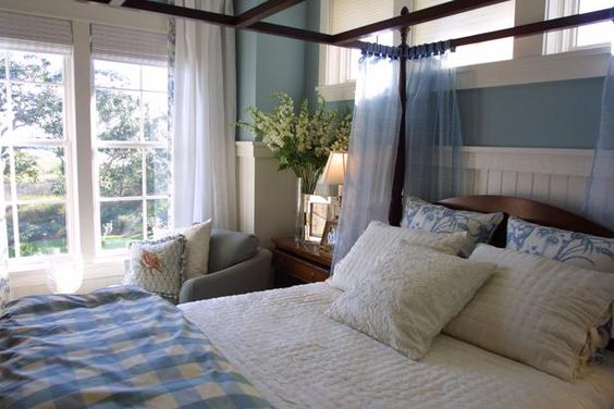Filed under: Bedrooms, Master Bedrooms         PHOTOS (10)      VIDEOS (6)    Font        A      A      A        Print Page      E-Mail      Tweet This      Share on Facebook