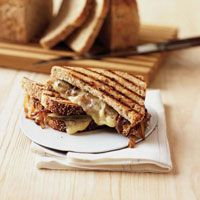 grilled cheese gruyere onion