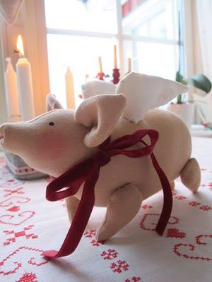 christmas pig ~ but not marzipan...