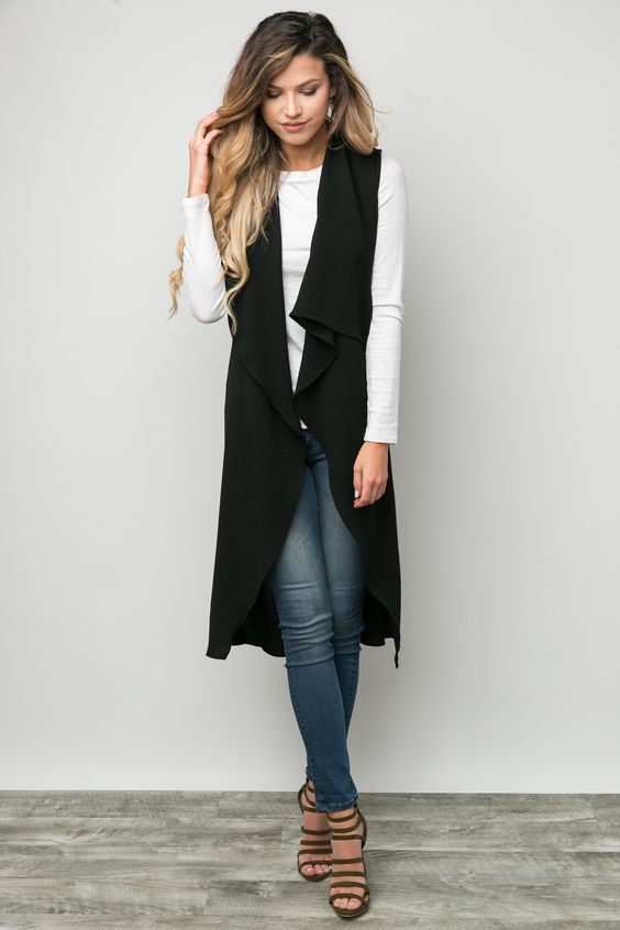 Vest Regards in Black