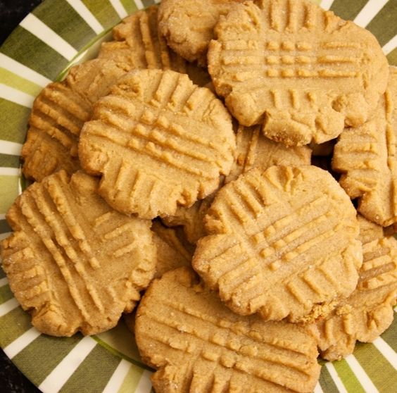 3-Ingredient Peanut Butter Cookies | Work It, Mom!