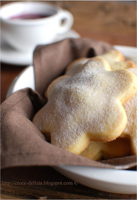 apple filled cookies! (I'm an Apple cinnamon gal...so this really looks good to me) :)