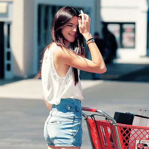 Kendall Jenner And Kylie Jenner Fashion Style Fashion Pinterest Shorts Posts And Fashion