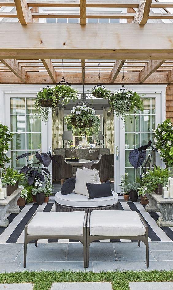 Indoor Outdoor Rugs Trends + 4 DIY Outdoor Rug TutorialsDecorated Life