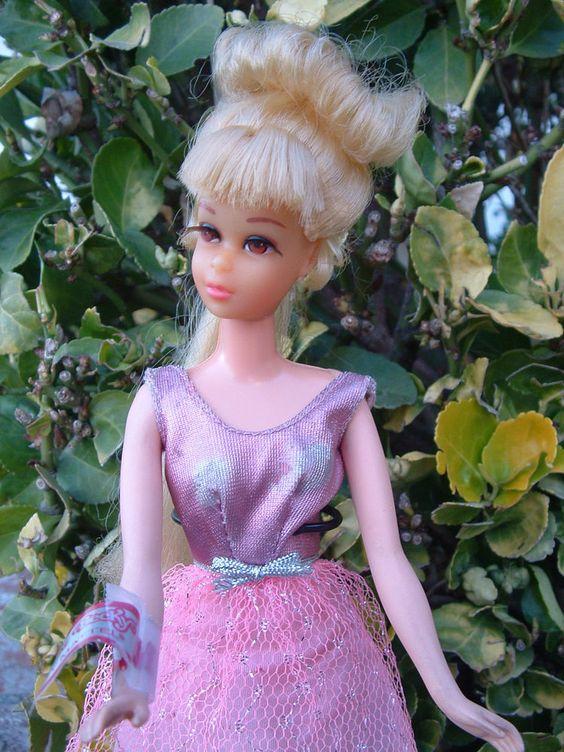 Beautiful Growing pretty hair Francie Barbie & complete outfit, original dress #BARBIEDOLL