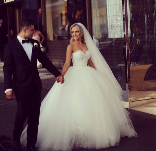 d-i-v-a-5: Perfect wedding dress on We Heart It. xoxo | Divat ...