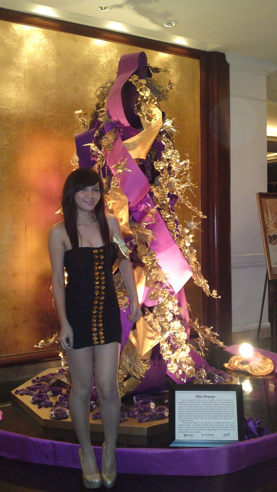 A christmas tree {in Dusit Thani Makati}