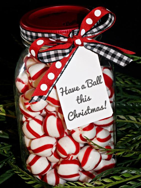 A quick and easy DIY Christmas gift - delicious mints in a mason jar tied up with a bow!