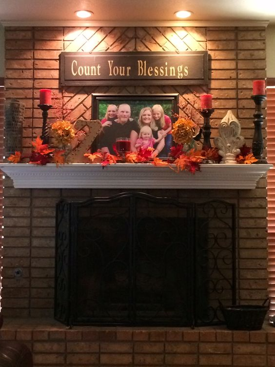 Fall mantle decore
