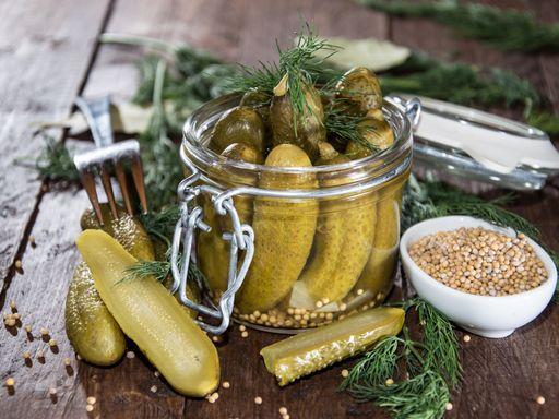 Bocaux de cornichons aigres-doux - Recette de cuisine Marmiton : une recette