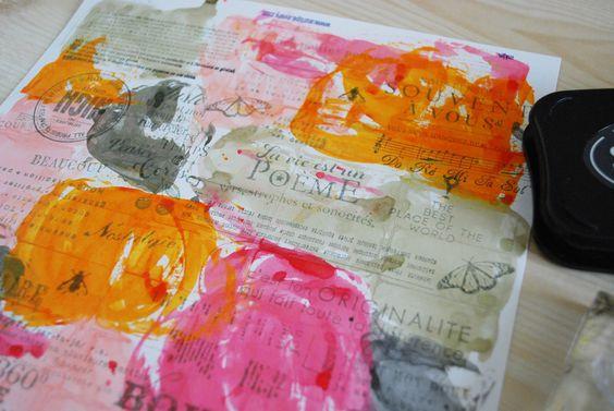Avec Prisca, créez votre fond de page à l'aide des #tampons et encres #Pschhiitt #kesiart #scrapbooking #orange