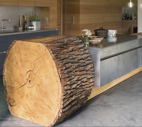 viel holz raue texturen ein stapler zu aufbau und das kunstwerk kann sich sehen lassen. Black Bedroom Furniture Sets. Home Design Ideas
