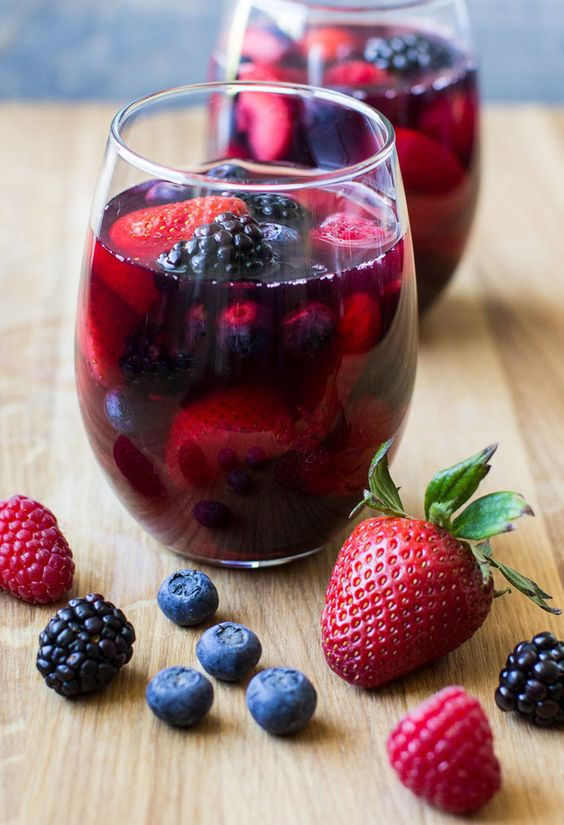 Berry-licious Iced Tea Red Sangria | Community Post: 15 Delicious Cocktails To Cool You Down This Summer