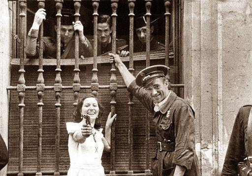 Spain - 1936. - GC - Zona republicana - Madrid - Escena captada a los pocos días de ser reprimida la sublevación militar