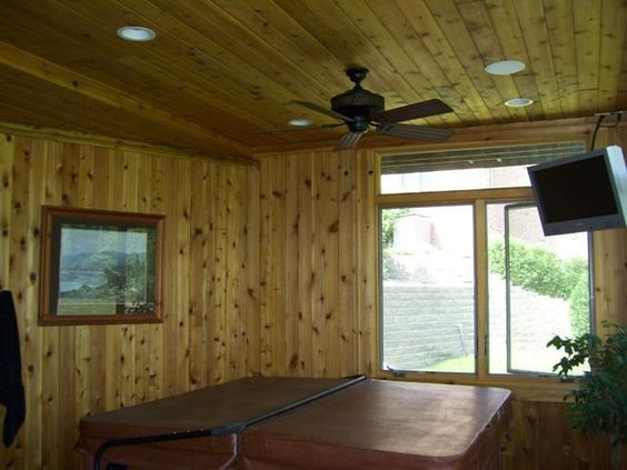 Cedar Tongue And Groove Ceiling And Wall Finishes Lend A