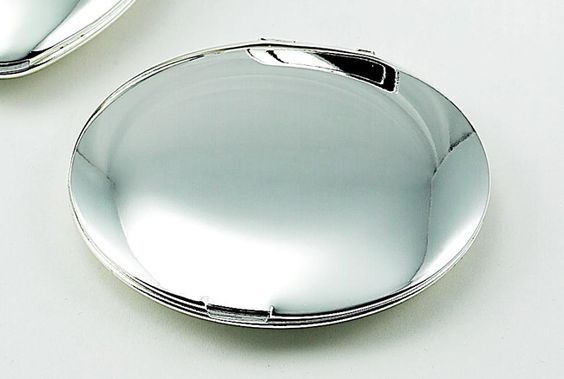 Compact Mirror.