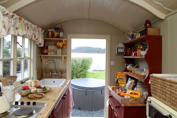stardust-shepherds-hut with hot tub right outside the door