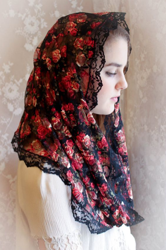 EVINTAGE Veils~ Chapel Veil Mantilla Infinity Veil Latin Mass Raining Roses Black and Rose Red Veil