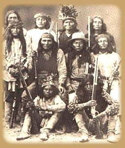 Apache warriors / Guerriers Apaches.