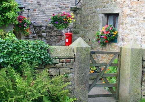I'd gladly come home to  Hothersall Lane, Longridge, Lancs