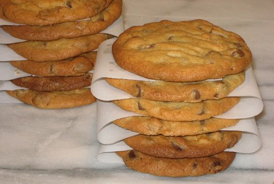 Chocolate Chip Cookies: The owner of Toll House Inn, Mrs. Wakefield ...