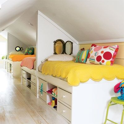 adorable!  love the peek-a-boo windows between each bed