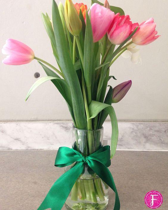 Entregas que llevan un apapacho a los que más quieres!!  #FelizDíaDeLaMujer #Flores #EntregasEspeciales #RegalaFlores #Tulipanes #LaFleurBoutique