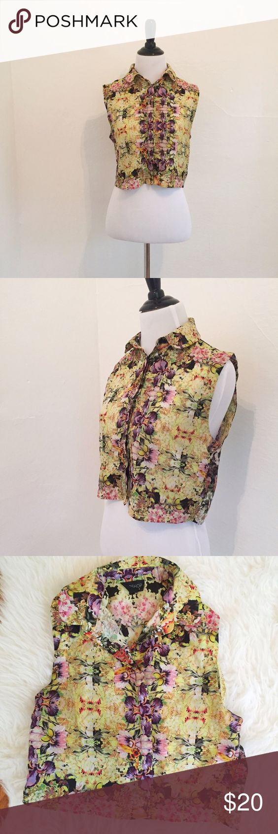 TOPSHOP Floral Cropped Blouse Semi-sheer cropped collared tank from TOPSHOP. Size 4. Features a floral garden print. Perfect for spring/summer! Never worn Topshop Tops Blouses